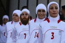 iran female footballers_220