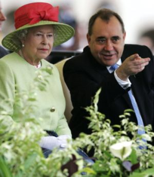 queen and salmond300