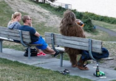 hairy-monster-on-park-bench_small