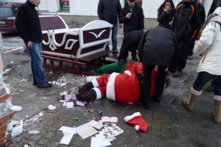 c2a3c2a3c2a3-a-drunk-santa