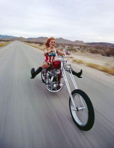 motoring-ann-margaret